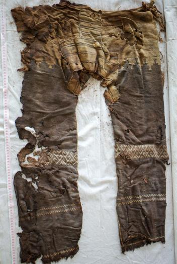 the oldest dress in the world 1