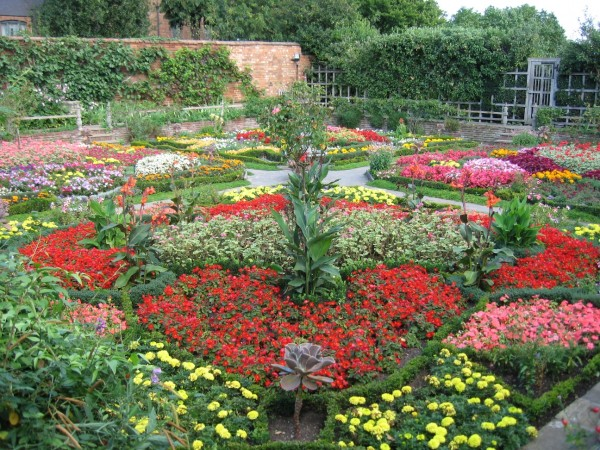 Knot Garden at New Place, Stratford upon Avon