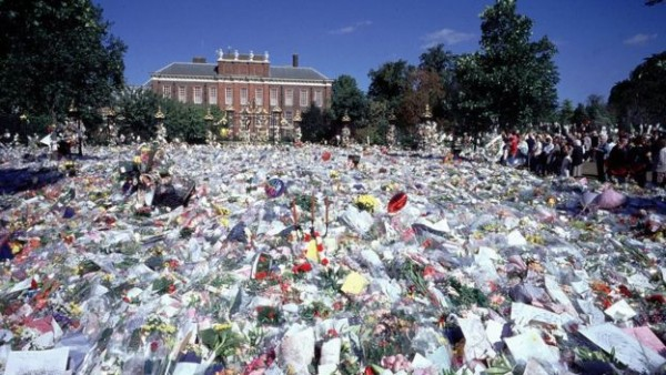 """Kensington Palace was the focus for public tributes to """"the people's princess"""" in 1997"""