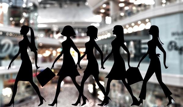 shopping woman pix 1