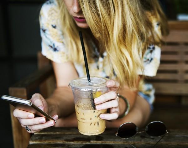 woman phone pix 1